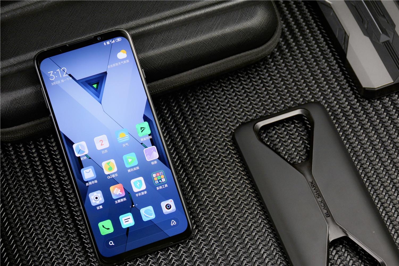 2020首款2K屏游戏手机—黑鲨3系列手机回收价格参考